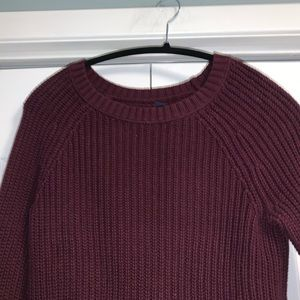 American Eagle Burgandy knit sweater size small